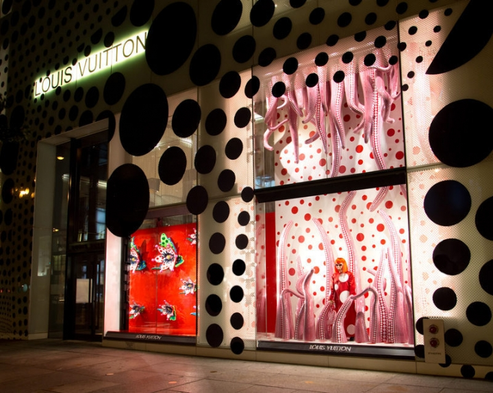 Louis Vuitton and the polka dot pattern by Yayoi Kusama japanese pop art icon