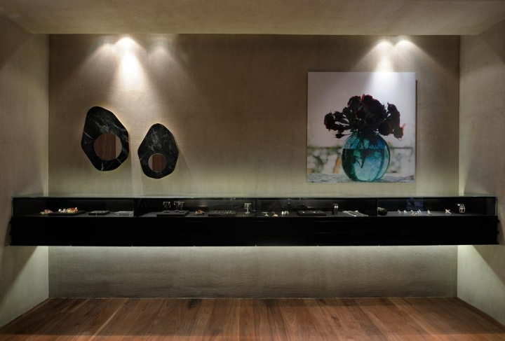 Link Jewelry store in Thessaloniki by Minas Kosmidis