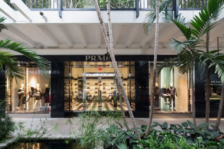 PRADA store in Bal Harbour Florida by Roberto Baciocchi