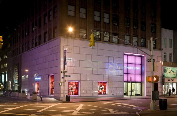 Victoria's Secret flagship store in Manhattan 2008