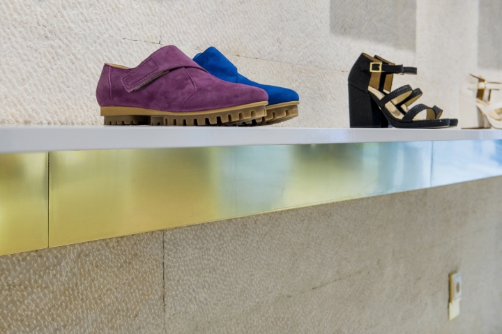 Ratinho Shoe Store by In Out Studio, Lisbon