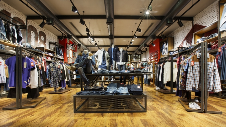 Lee cooper store design in Turkey by CBTE Architecture