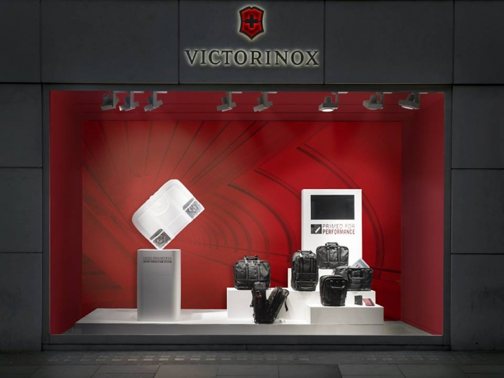 "Victorinox ""Carry-on"" windows display by Dfrost"