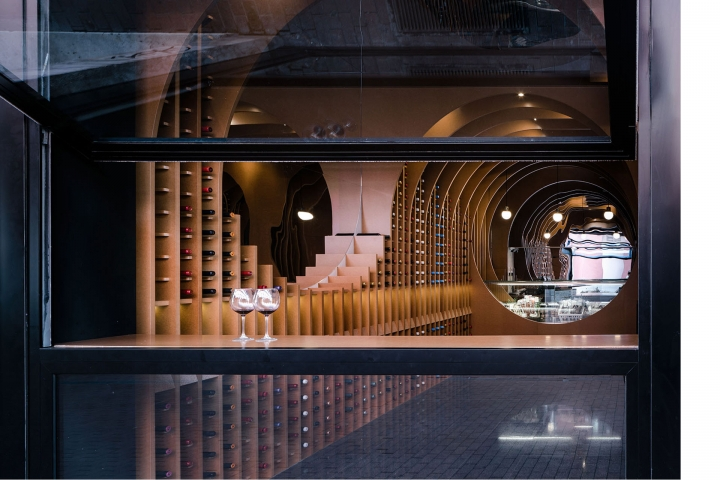 Vinoteca Villadolid wine store in Spain by Zooco Estudio