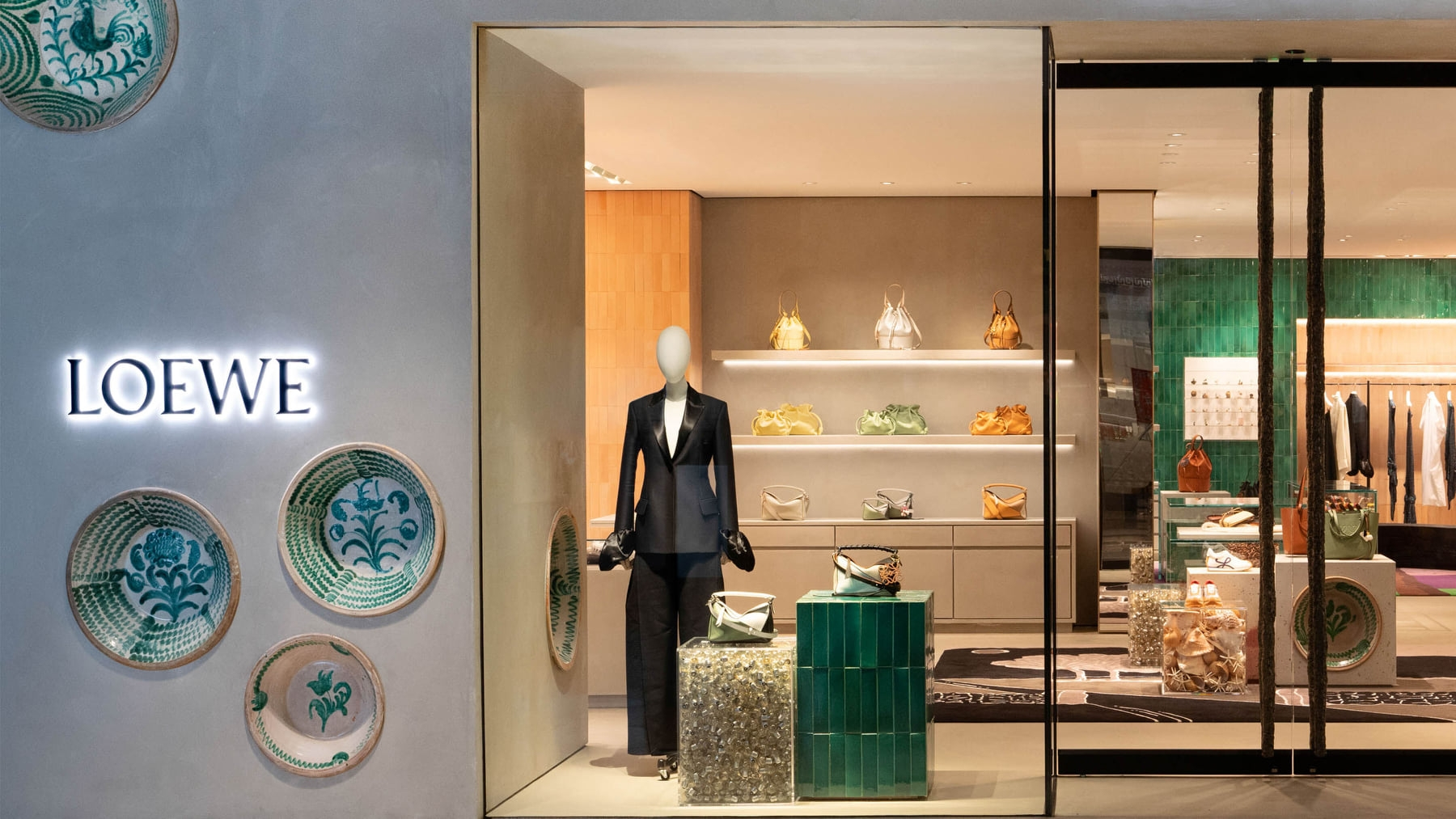 LOEWE opens new store in California