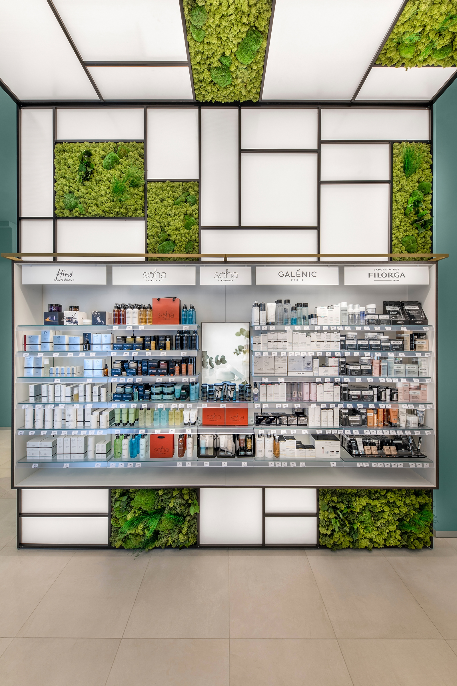 Lafarmacia flagship store in Milan by AmLab