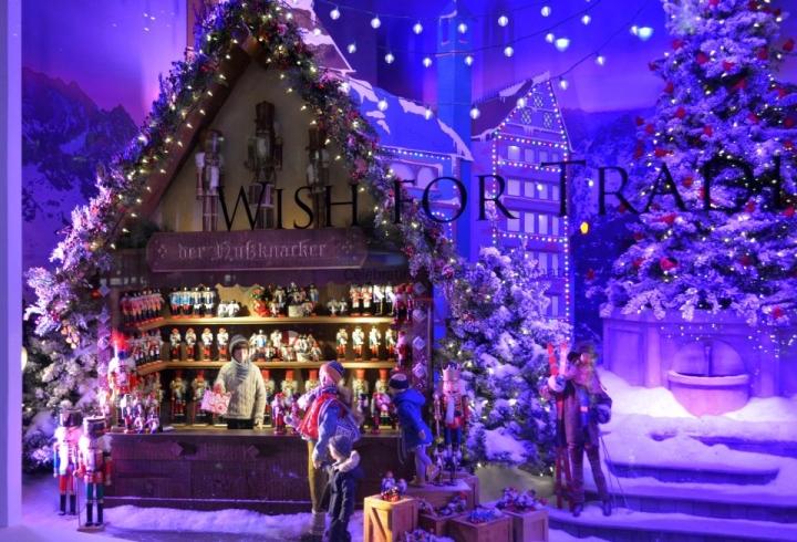 LORD & TAYLOR christmas windows display New York