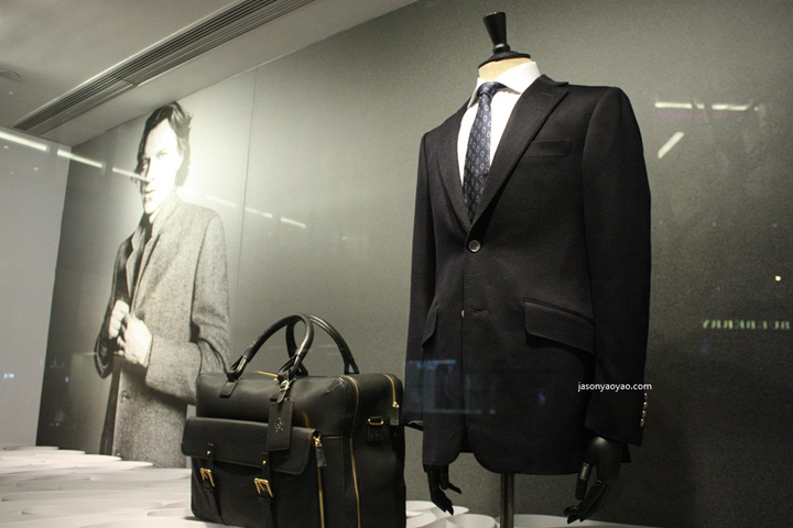 ALFRED DUNHILL shop windows display IN HONG KONG