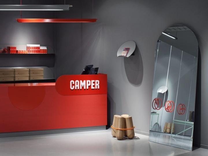 Camper store design by Note Design Studio