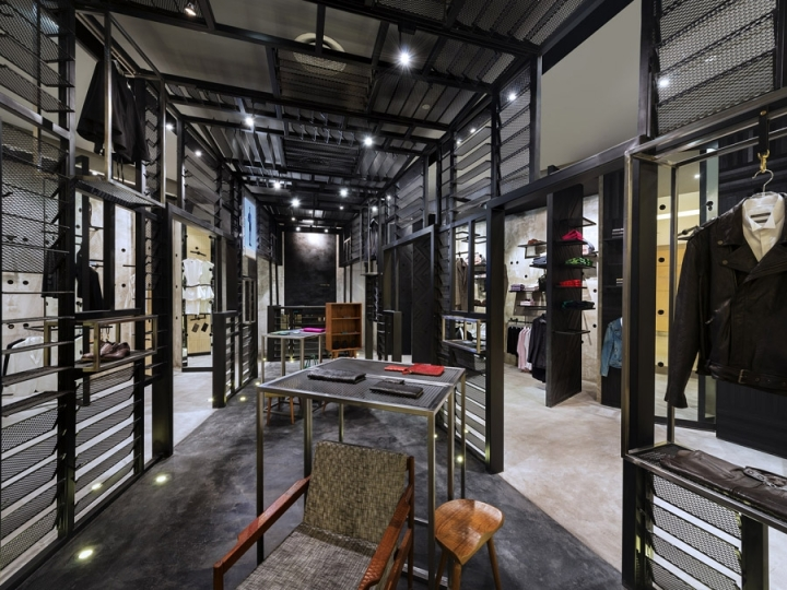 Crocodile Concept Boutique by UPSTAIRS