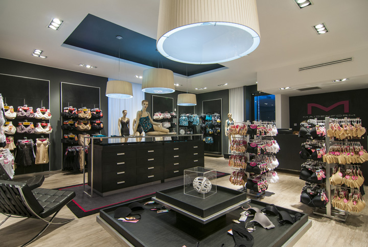Maidenform flagship store by Droguett A&A, Chile