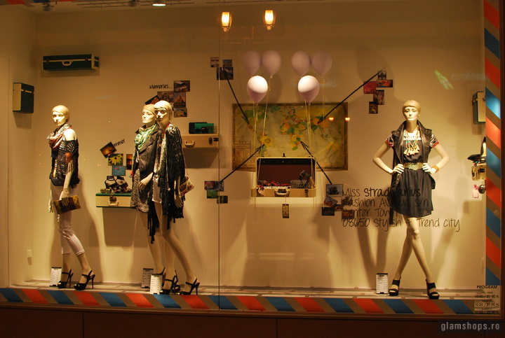 Stradivarius shop windows - Unirea Shopping Center Bucharest