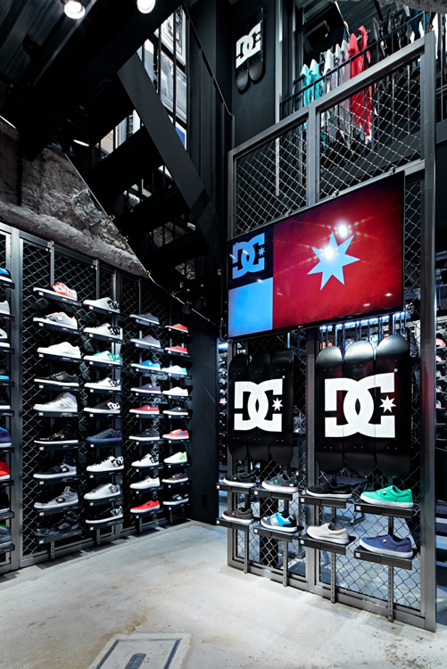 DC STORE DESIGN BY Specialnormal Inc.