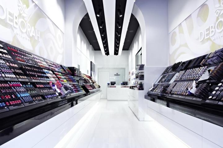 DEBORAH MILANO Flagship Store