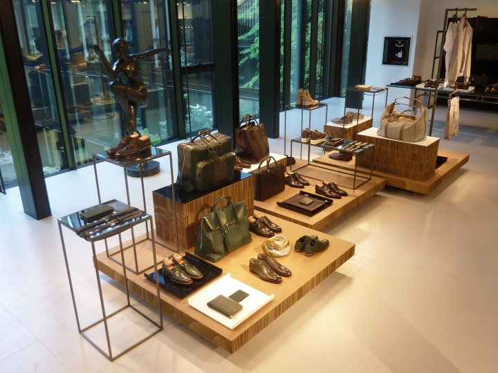 Kiton showroom by A4A, Milan