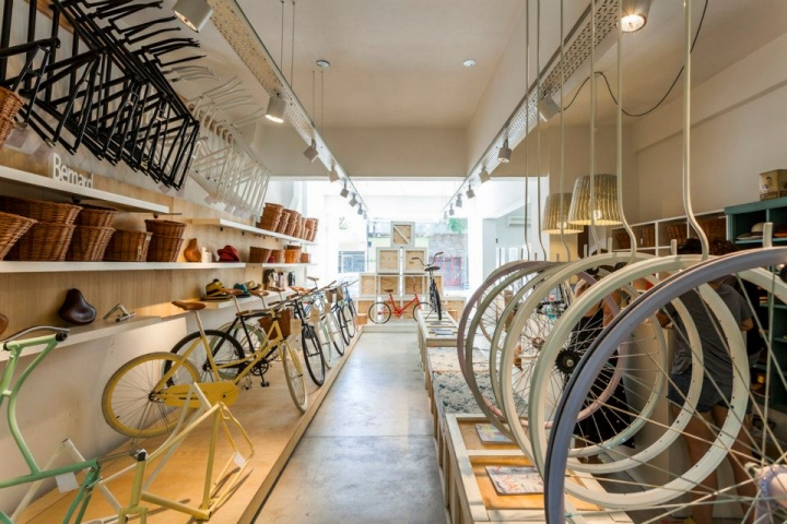 MONOCHROME bikes by NIDOLAB ARQUITECTURA