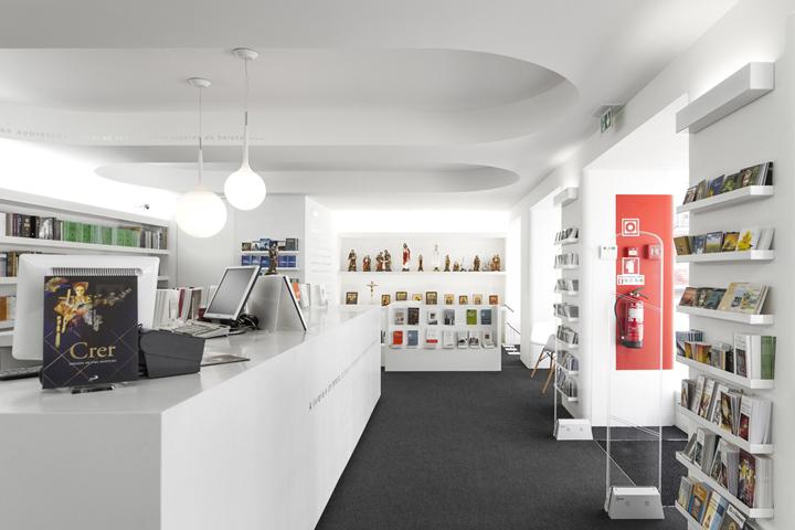Paulus Bookshop in Lisboa