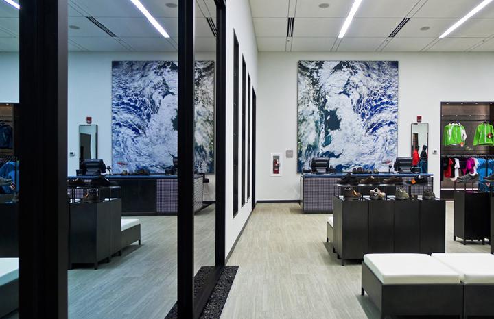 W.L. Gore retail store by Lynn Paik Design, Newark – Delaware