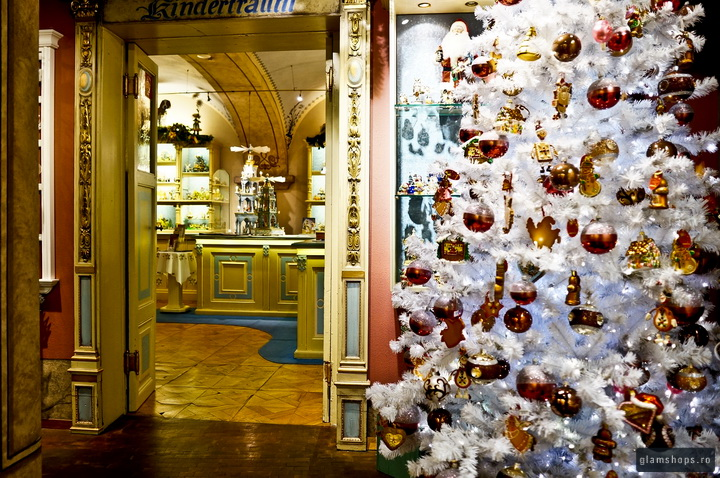 Käthe Wohlfahrt in Heidelberg - traditional German Christmas store