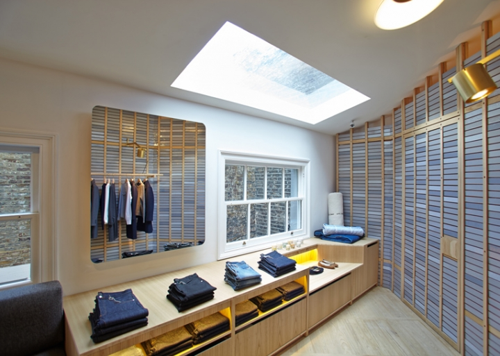 A.P.C BOUTIQUE London by architect Laurent Deroo