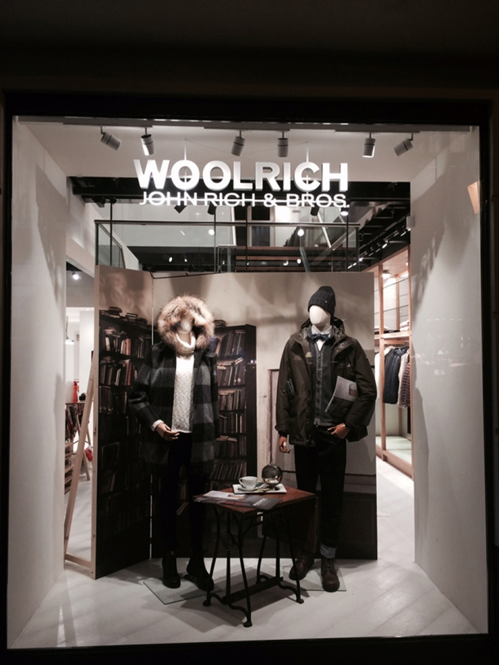 WOOLRICH store Berlin by Wonderwall