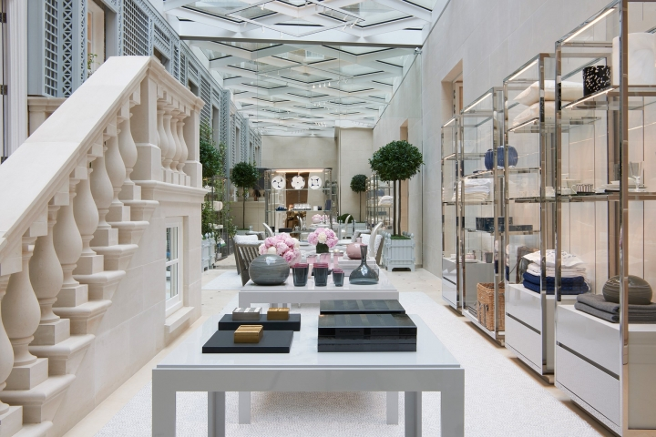 Dior opens new flagship store in London on New Bond St.