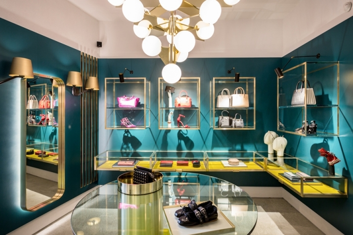 COURMAYEUR luxury boutique by Baciocchi Associati