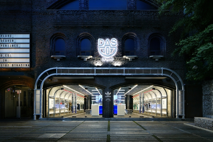 Kasina's Adidas Concept Store, DAS107 by URBANTAINER design studio
