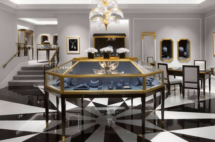The House of Harry Winston announces the reopening  of Flagship Salon in London