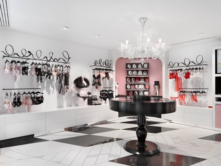 Chantal Thomass reopen Rue Saint-Honoré boutique Paris