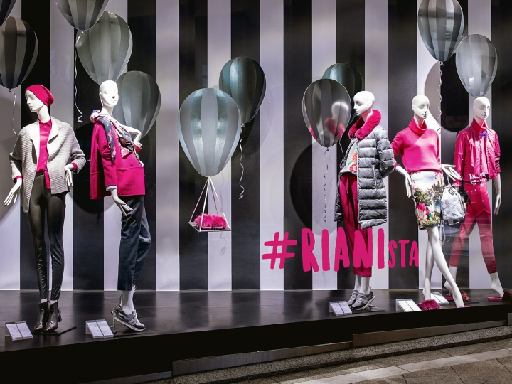 Riani window display in Stuttgart by DFROST