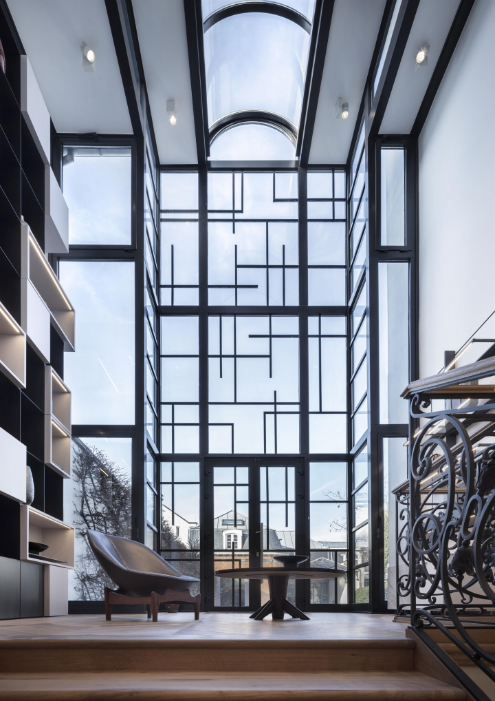 Le 27 Mansion on Boulevard de Waterloo in Belgium by Vudafieri-Saverino Partners