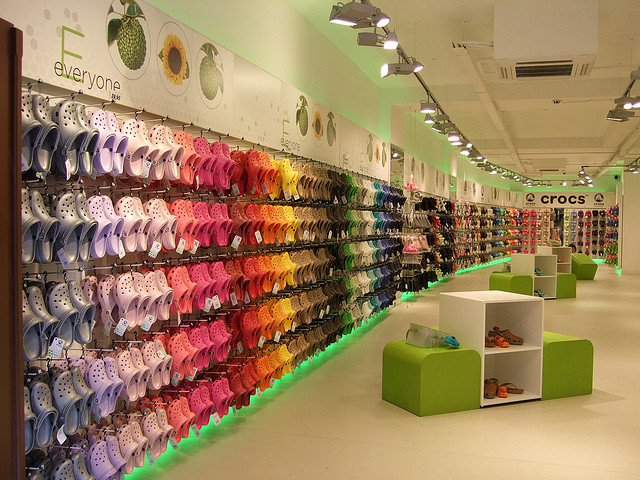 Color Blocking in Crocs flagship store