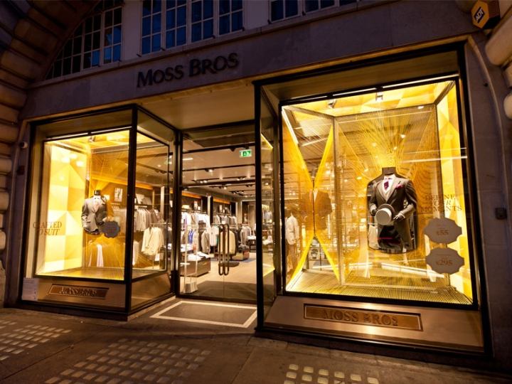Mos Bross Regent Street - visual merchandising and windows concept