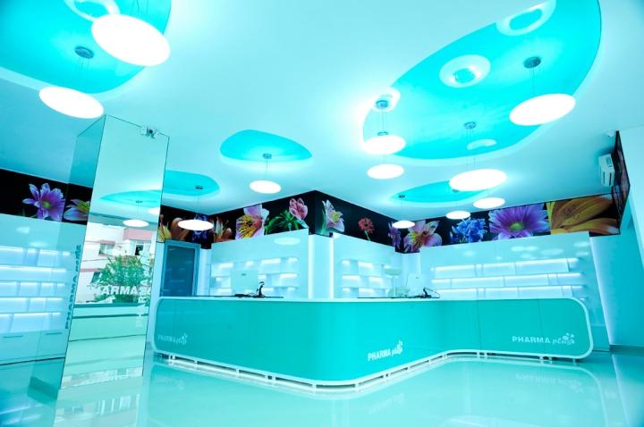 PHARMA PLUS - amenajare interioara farmacie